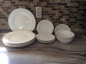 Dishes 4 place setting