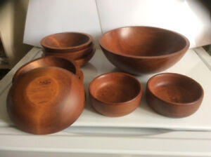 Baribo Maid wooden salad bowl set - REDUCED from $40