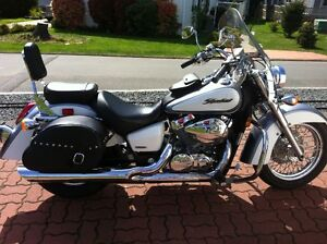 HONDA SHADOW 750 WITH EXTRAS