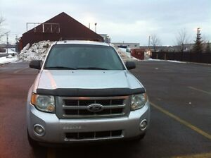 2011,FORD ESCAPE XLT 4 Cyl,SUV.AUTOMATIC,A/C,Excelent etat.