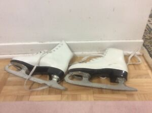 Ice skating shoes West Island Greater Montréal image 3