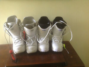 White snowboard boots in excellent condition