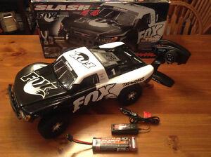 Traxxas Slash 4x4 1/10 FOX Edition, Like NEW! RC, Losi Hpi Axial