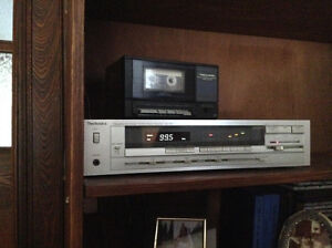 Sony turntable with FM/AM stereo receiver and soundsystem