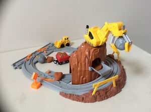 Fisher Price Geo Trax Construction rail yard set Cambridge Kitchener Area image 2