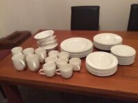 ALESSI dinnerware.45 pieces in total.