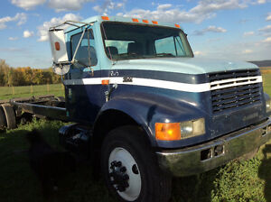 International 4900 Single Axel Cab And Chassis