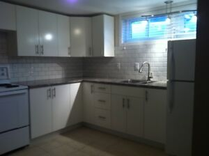 Brock - Large 2 Bedroom Apartment in a house