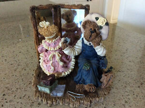 Boyd's bear figurine Kawartha Lakes Peterborough Area image 1