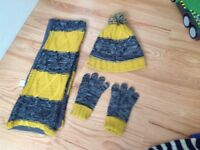 Hat ,scarf and gloves (age 3 to 6 year)