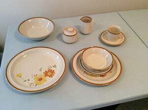 Set of dishes for 8