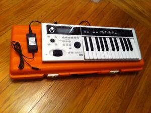 Korg Micro X - White 25 key Workstation Synthesizer - Case -Mint