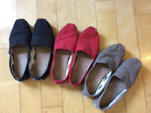3 pairs of lightly-worn Toms - size 6.5
