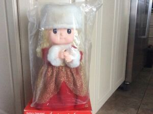 Brand New Beautiful Merry Movables Collectable Animated  West Island Greater Montréal image 2