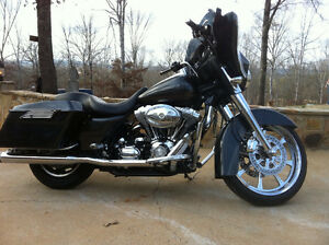 Harley Davidson Street Glide. Mint Condition. USD PRICING!!!!