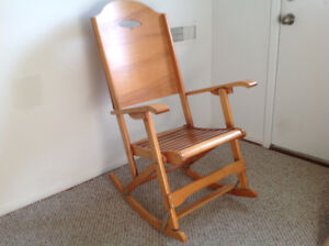 Folding maple rocking chair (adult size)