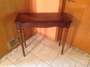 Table Bombay excellent condition