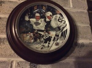Wayne Gretzky plate with wood frame