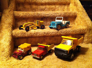 1:18 SCALE DIE-CAST CARS - TONKA
