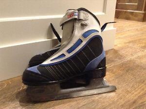 Girls CCM skates.  Size youth 4