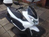 Honda pcx 125. 2011 Low mileage