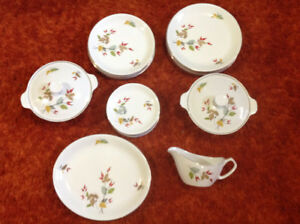 Alfred Meakin vintage Set of Dishes for 6