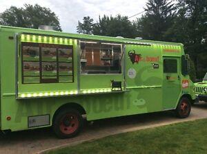 Foodtruck (Camion cuisine de Rue)  CLÉ EN MAIN