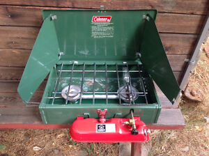 Camping lot /// 2 Coleman Delux Easylites tent,chairs,grill tops