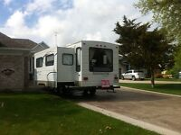 26 ft Edgewater by Sunnybrook travel trailer