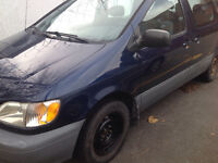 Like new Toyota Sienna very clan body