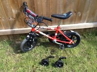 Boys bike age 3+ with stabilisers
