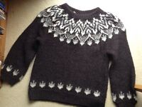 Handknitted 100% wool Icelandic jumper