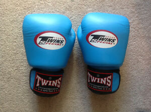 Twins boxing gloves, brand new 12oz from Thailand.
