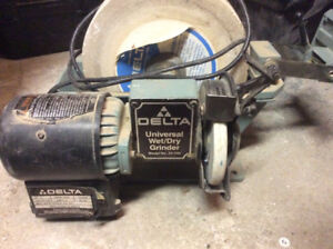 Delta Machinery Universal Wet/dry Grinder 1/5hp - model 23-700