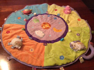 Baby play mat with cute toys