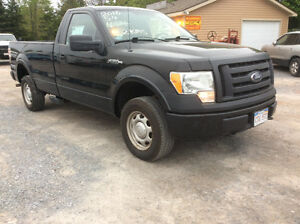 2010 Ford F-150 XLT4x4  Pik light 3/4 ton needs MVI 163 km $7000