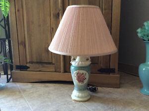 LAMPES DE TABLE - CHANDELLIERS - LUSTRE