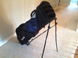 Like new...GOLF BAG...by RAM