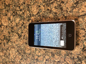 iPod Touch 2nd Generation, 8GB Perfect screen, works great