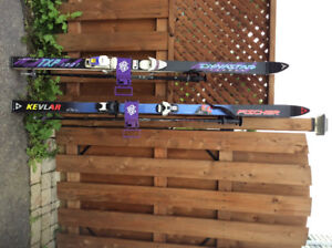 His and hers skis