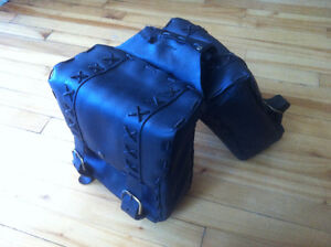 sacoche en cuir véritable / leather satchel