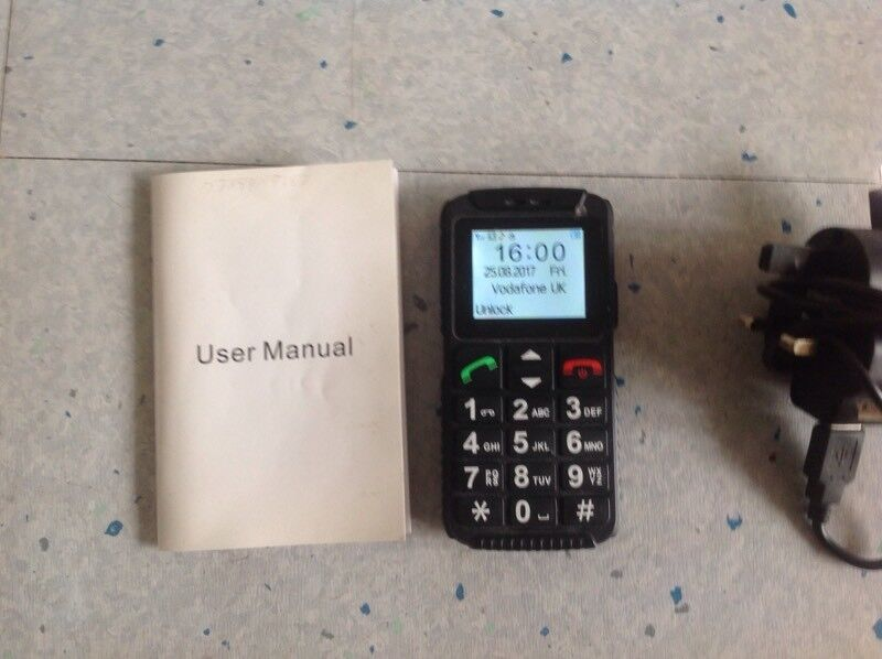 Basic Mobile Phone with Torch and SOS £10