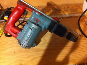 Perceuse percussion // Hammer drill Hilti TE17