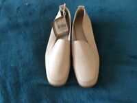 beige shoes bnwt size 3