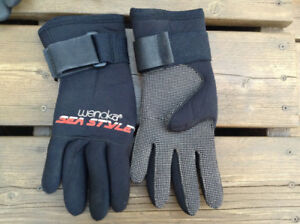Wenoka Sea Style Scuba Diving Gloves For Sale in Deep River