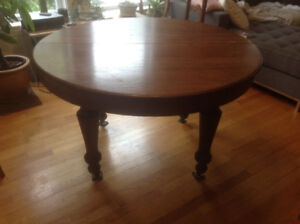 Beautiful solid oak round table