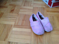 Soul Brand - Girls Shoes - USED - PINK size 6 - TOMS style - $5
