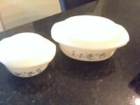 Set of 2 serving dishes