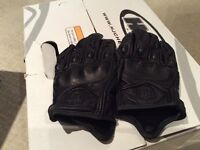 NEW lady's size medium leather motorcycle gloves