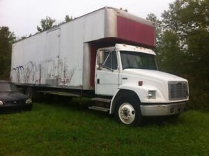 Freightliner FL80 1998 with power tail gate